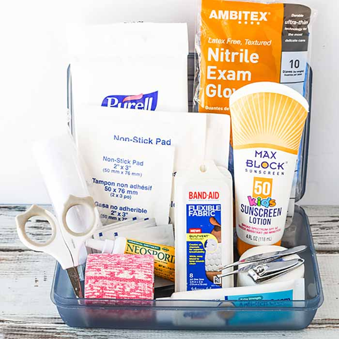 Learn how to make this first aid kit for your car. It is always better to be prepared so make this travel first aid kit today and save time and money.