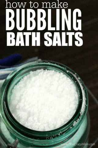Try this easy homemade bath soak recipe. Homemade bath salts are easy to make with essential oils. This Homemade bath salt recipe with epsom is the best for sore muscles and make the perfect gifts for Christmas for mom or for kids! Learn how to make these DIY natural bath soak that is great for Christmas gifts too! #onecrazymom #bathsalt #DIYrecipes #DIYgifts