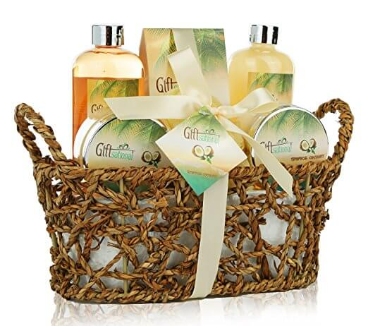 Here are 20 special Mothers day gift basket ideas. This Mother's day pamper mom with one of these mother's day gift baskets. We have the best mothers day gifts sure to make Mom feel loved and appreciated. 20 mother's day gift ideas.
