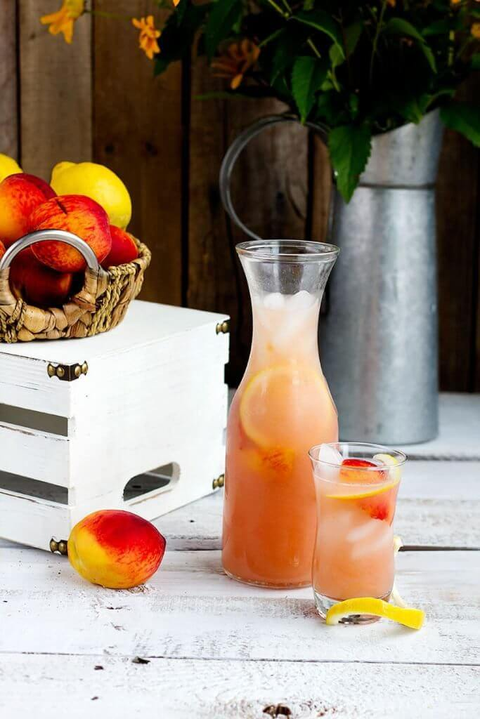 Take a look at the best homemade lemonade recipes. You will find the best lemonade recipes for a refreshing drink. It's the perfect beverage choice for Summer! The hardest part is deciding which fresh lemonade recipe will you try? 30 homemade lemonade recipes