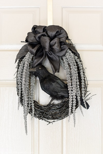 we have diy halloween wreath ideas that are simple to make and wonu0027t break