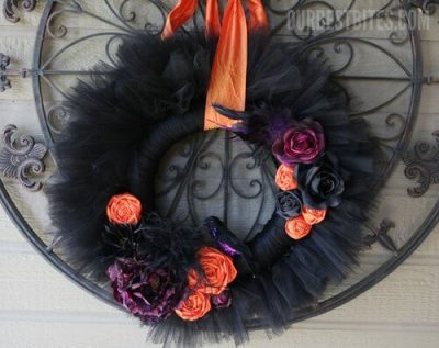 We have DIY Halloween Wreath Ideas that are simple to make and won't break the bank. Try these 15 DIY Halloween wreath ideas that will make your house festive. Easy Halloween wreath ideas sure to impress everyone.