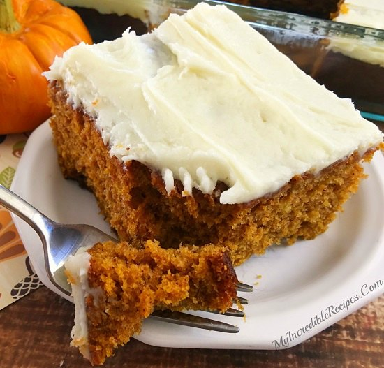 25 good Thanksgiving Desserts to make.Try these easy Thanksgiving desserts.You will love these easy Thanksgiving dessert recipes.Fun Thanksgiving desserts!