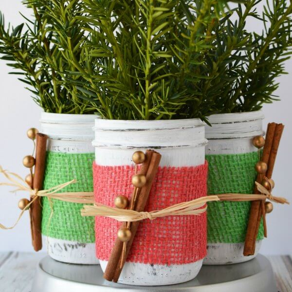 Easy DIY Mason Jar Christmas Centerpiece