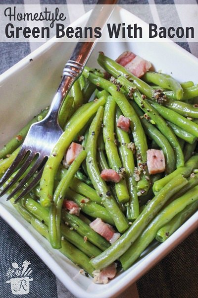 These easy Thanksgiving sides will be a huge hit! 20 Thanksgiving side dishes the family will love. Try these Thanksgiving side dish recipes.