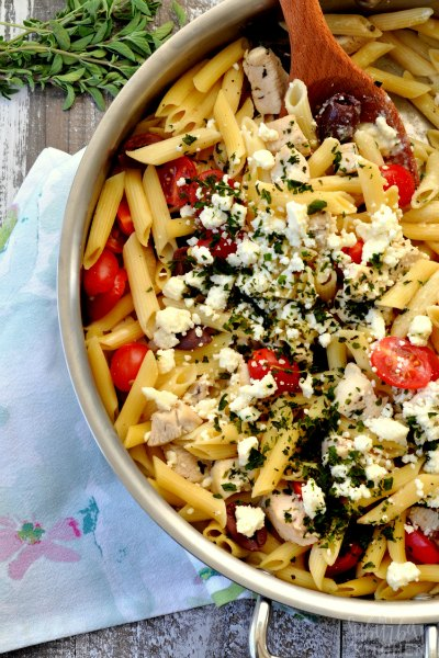 Make dinner time a breeze with these easy chicken pasta recipes. Try 20 chicken and pasta dishes everyone will love. Get dinner on the table fast!