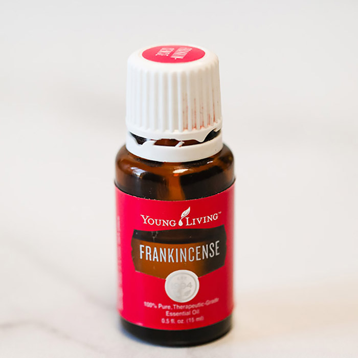 Learn how to use frankincense essential oil with these beneficial frankincense essential oil uses including how to use frankincense oil on face and skin. Find all the benefits of Frankincense and how it boosts your immune system. #onecrazymom #essentialoils #frankincense