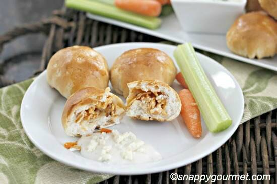 Find the best Super Bowl Snacks kids will love. 25 Easy Superbowl Snacks to please a crowd. Try this Super Bowl Party Food. Super Bowl Party Ideas for kids.
