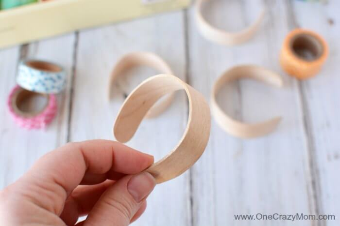 Learn how to make popsicle stick bracelets. These craft sticks bracelets will be a hit with everyone! You will love these bracelets made from popsicle sticks! The kids will have a blast decorating popsicle stick jewelry! Try making popsicle stick crafts!