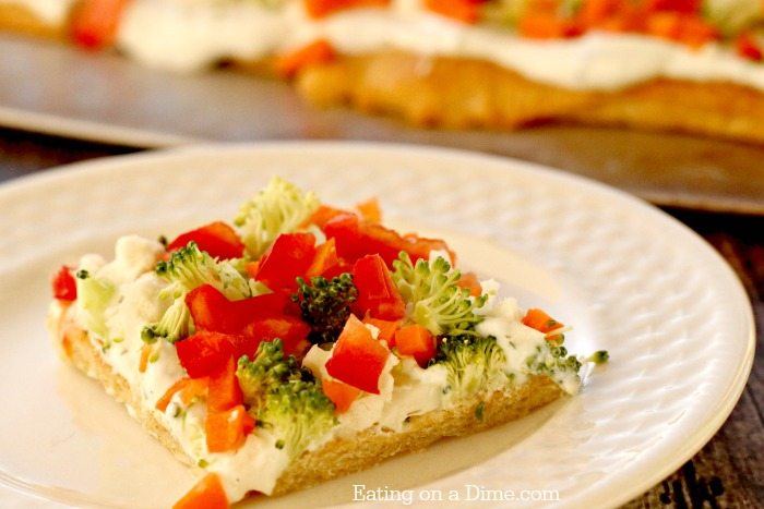 We have over 30 Graduation Party Food Ideas that are easy to prepare, budget friendly and delicious. Get ready to celebrate with these tasty recipes.