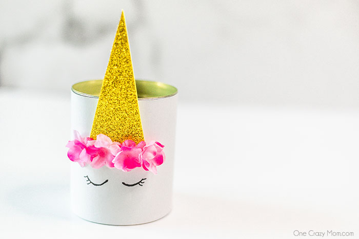 DIY unicorn pencil holder is an easy craft using dollar store supplies. Make this DIY Unicorn Craft for a fun way for kids to organize their pencils.